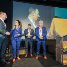 Regionaal voorzitter ZLTO wordt geïnterviewd door Ramona van Zweden