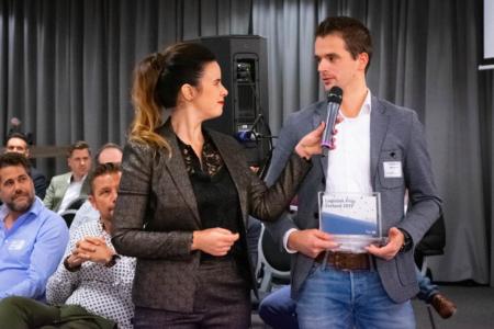 Ramona van Zweden interviewt winnaar Logistieke Prijs winnaar 2019