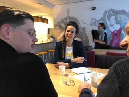 Ramona van Zweden redactiewerk Op Zo'ndag met gasten